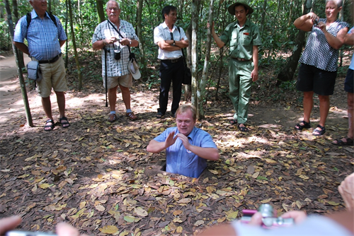 TRANSFER FROM SAIGON TO CUCHI TUNNELS BY PRIVATE CAR