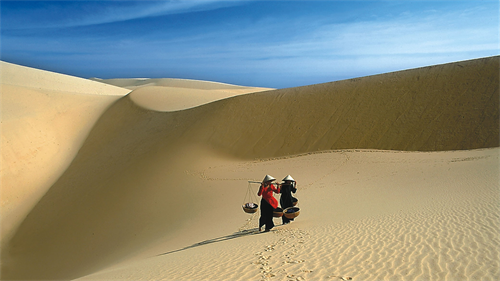 Mui Ne Sand Dunes 1 Day Tour From Nha Trang by Private car